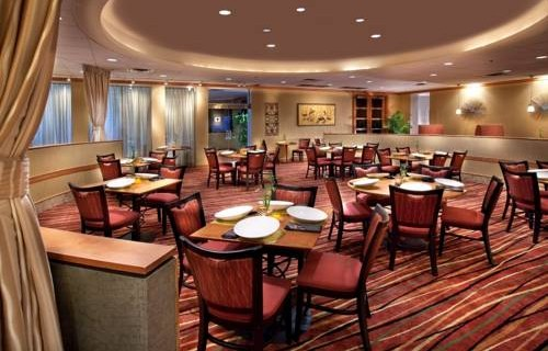 Doubletree Hilton Tampa Airport Westshore airport dining