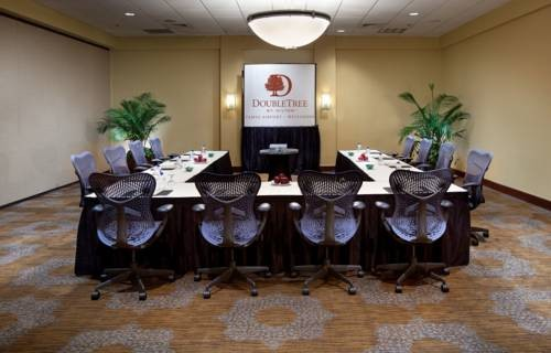 Doubletree Hilton Tampa Airport Westshore Airport meeting room 2
