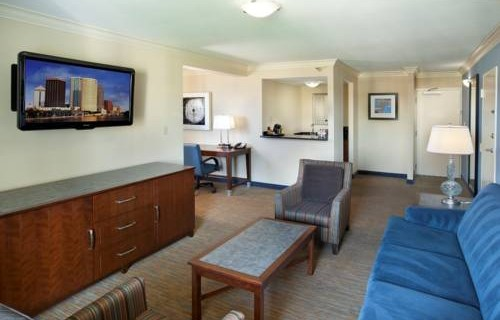 Doubletree Hilton Tampa Airport Westshore Airport suite