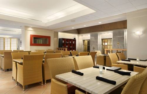 Embassy Suites Hotel Tampa Airport dining 2