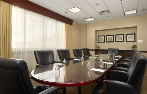 Embassy Suites Hotel Tampa Airport meeting room