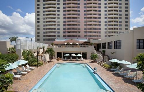 Embassy Suites Hotel Tampa Airport pool