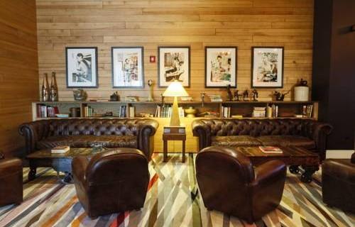 Epicurean Hotel Autograph Collection lounge