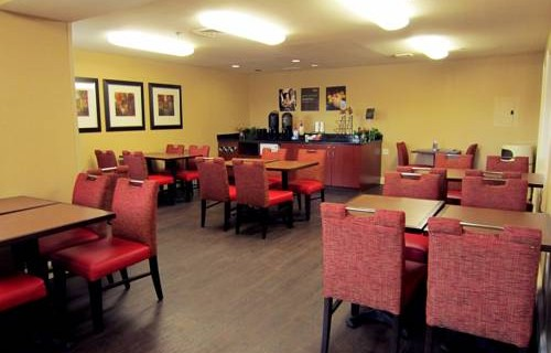 extended-stay-america-tampa-airport-westshore-free-breakfast-2