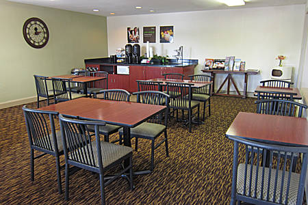 extended-stay-america-tampa-airport-westshore-free-breakfast