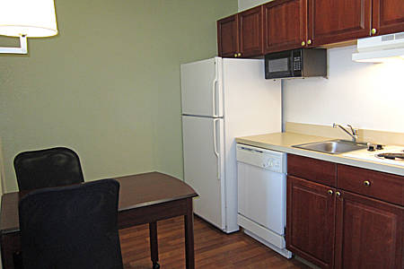 extended-stay-america-tampa-airport-westshore-kitchen