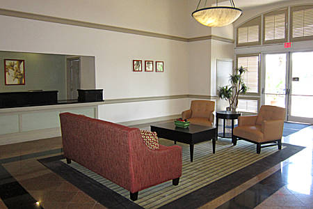 extended-stay-america-tampa-airport-westshore-lobby-2