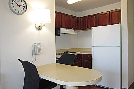 extended-stay-america-tampa-airport-westshore-suite