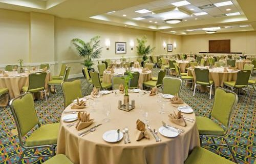 hilton-garden-inn-tampa-airport-dining
