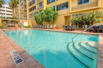 Holiday Inn Tampa Westport Airport pool